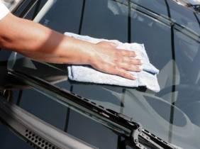Oferta Lavado completo de coche a mano