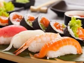 Oferta Menú con bandeja de sushi